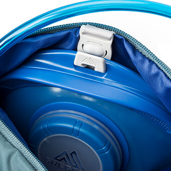 Dedicated, zippered hydration pocket with SpeedClip attachment system for compatibility with Gregory's 3D Hydro reservoir INCLUDED