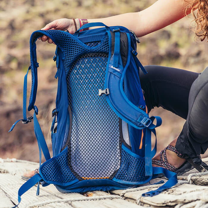 FreeSpan Ventilated Backpanel - Suspended open-air mesh backpanel keeps you cool and comfortable on the trail