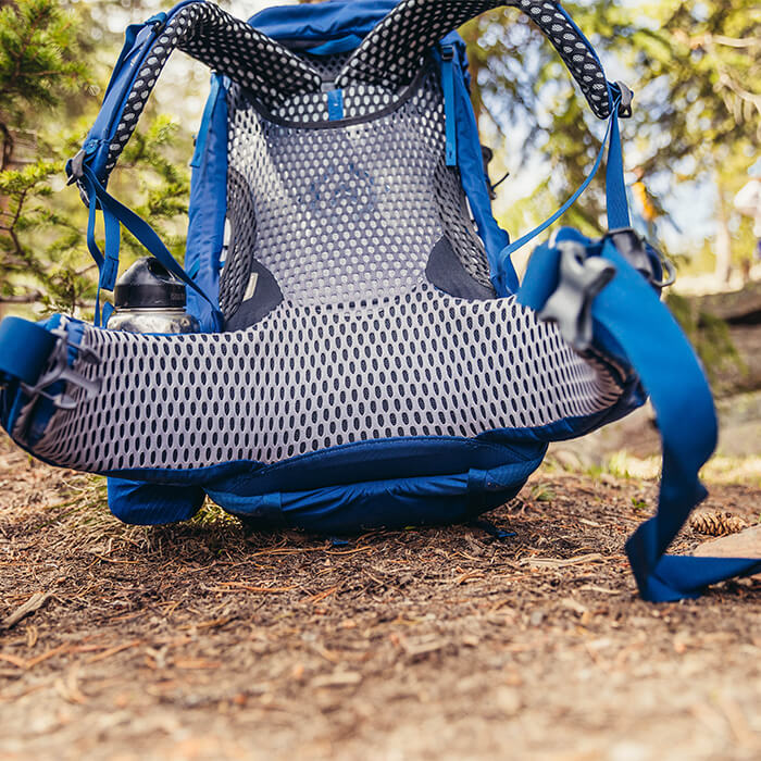 FreeFloat 360 - Ventilated, suspended mesh backpanel featuring Gregory's FreeFloat dynamic comfort cradle lower back system and auto-canting, rotating harnesses for the ultimate in dynamic fit and comfort.