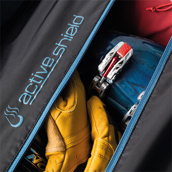ActiveShield compartment keeps dirty or wet clothing and gear separate