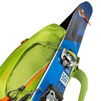Wzmocniony system mocowania nart po bokach (A-frame) dostosowany do szerokich nart i split boardów