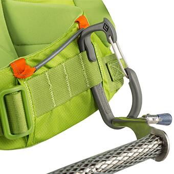 Bucles para herramientas de hielo en el cinturón lumbar