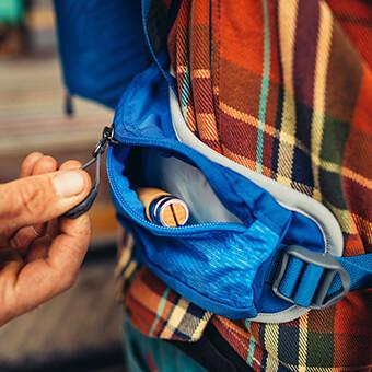 Dual hipbelt pockets