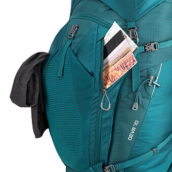 DUAL FRONT ZIPPERED ORGANIZATION POCKETS