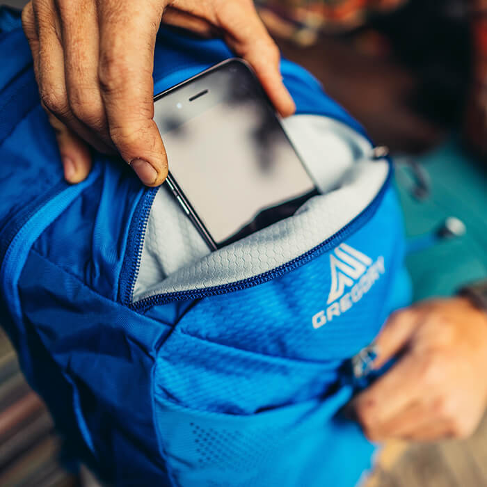 Poche zippée « toucher-doux » pour appareils électroniques ou lunettes de soleil