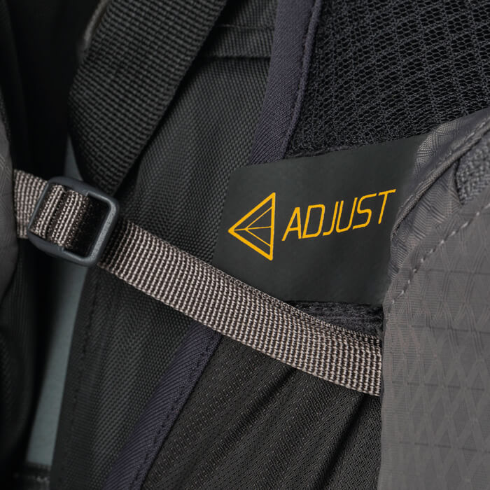 Adjustable hipbelt pockets