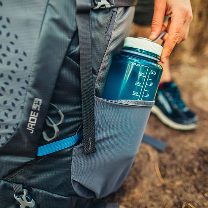 Dual side stretch mesh pockets