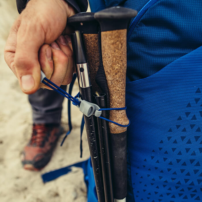 Boucle d'attache ajustable et crochet résistant aux chocs pour bâtons de randonnée et piolets