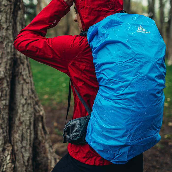 Parapioggia removibile situato in una tasca esterna di facile accesso